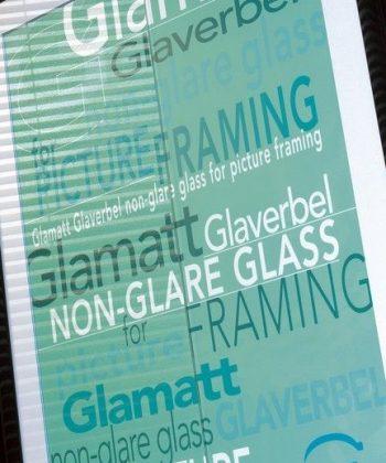 STIKLS-GLEZNU-IERAMESANAI-GLAMATT-clear-Antireflektivais-stikls