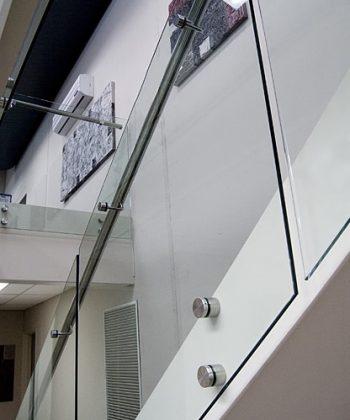 Stikla jumtiņi, vējtveri