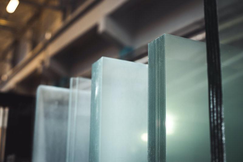 loksnu-stikls-un-spoguli-spogulstikls-stika-serviss
